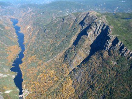 Sentier Acropole des Graveurs vue de haut
