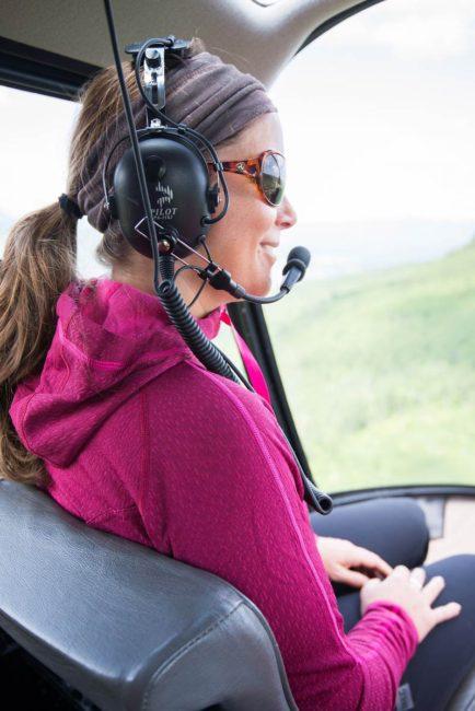 Fille en hélicoptère